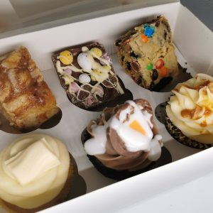 cake box delivery dundee